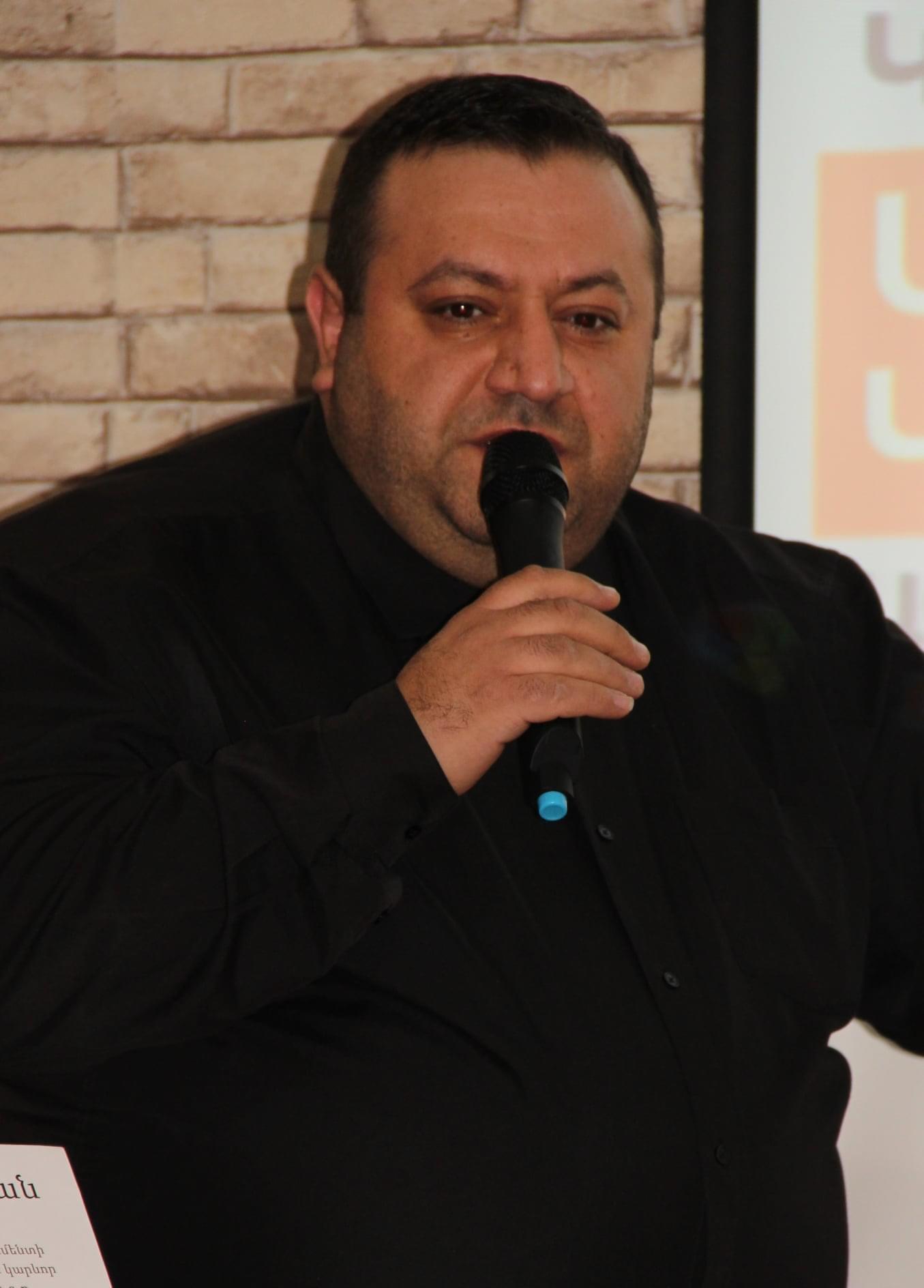 Սմբատ Մինասյան